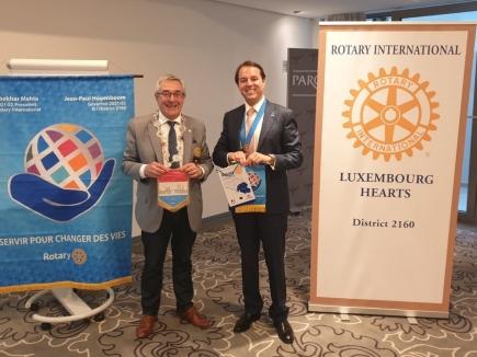 Club President Edoardo Carlotti and special guest, Governor Jean-Paul Hogenboom